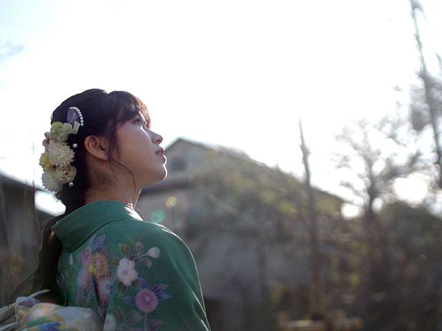 【会員無料】横山由依(AKB48)ちゃんロケ中オフショット/【2020年4月号】ただただ ロケ合間の写真撮影